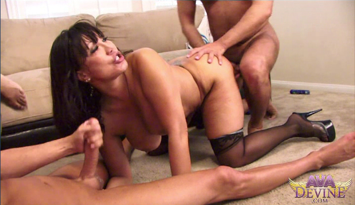 Horny MILF Ava Devine Gets Bukkake on Webcam